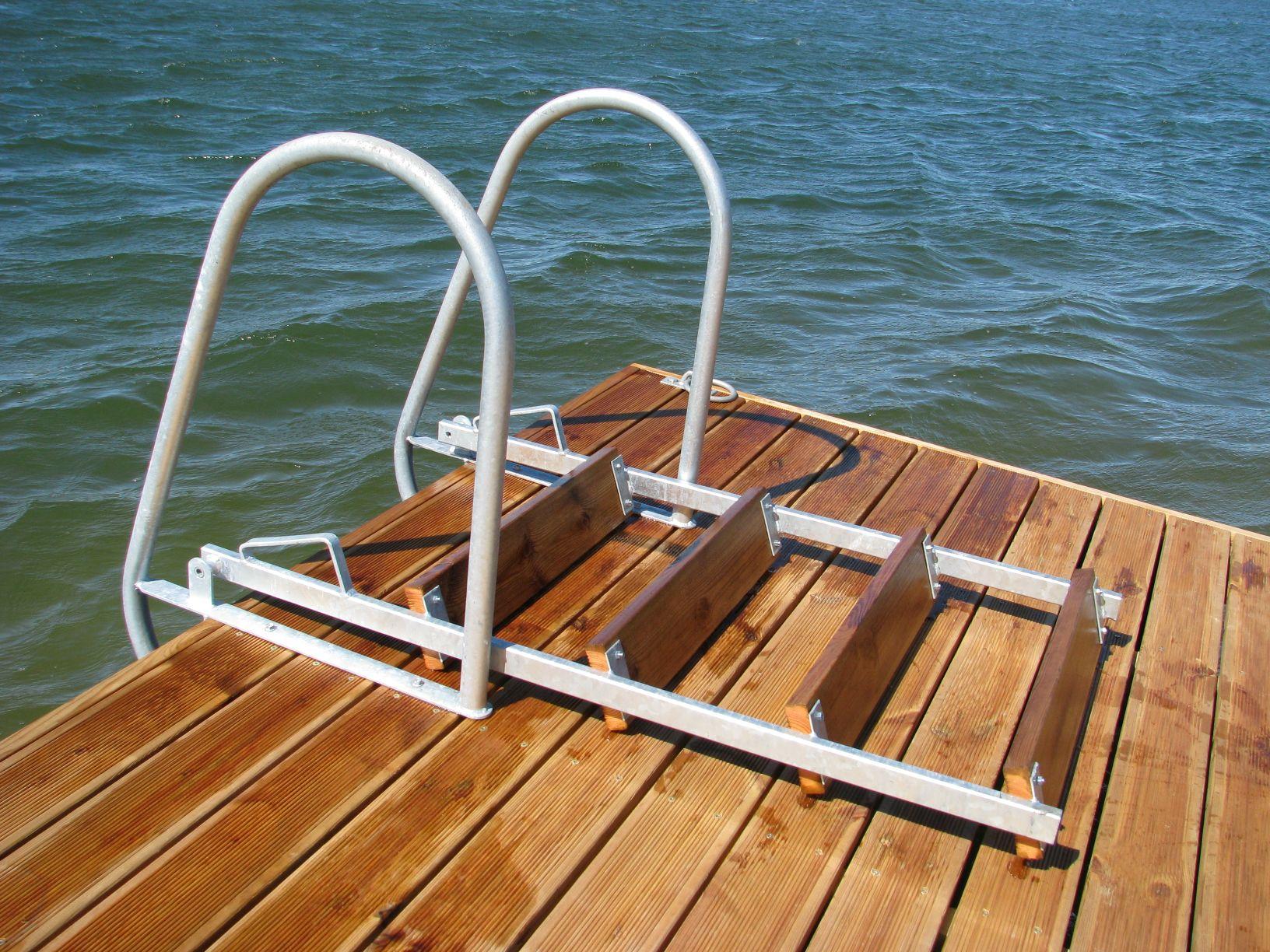 Uimaportaat laituriin